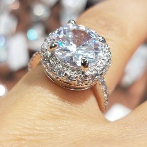 Jewelry - 4ct Round cut Engagement Ring